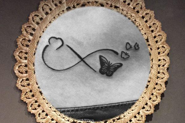 Onderbuik tatoeage