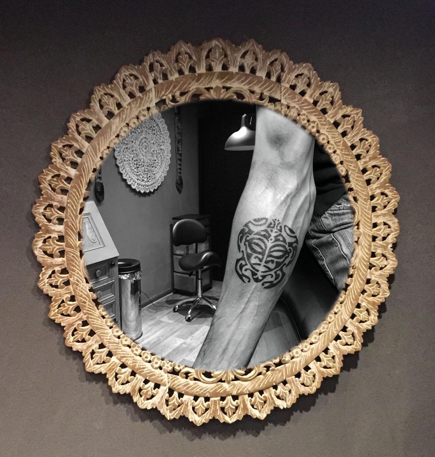Maori onderarm tatoeage