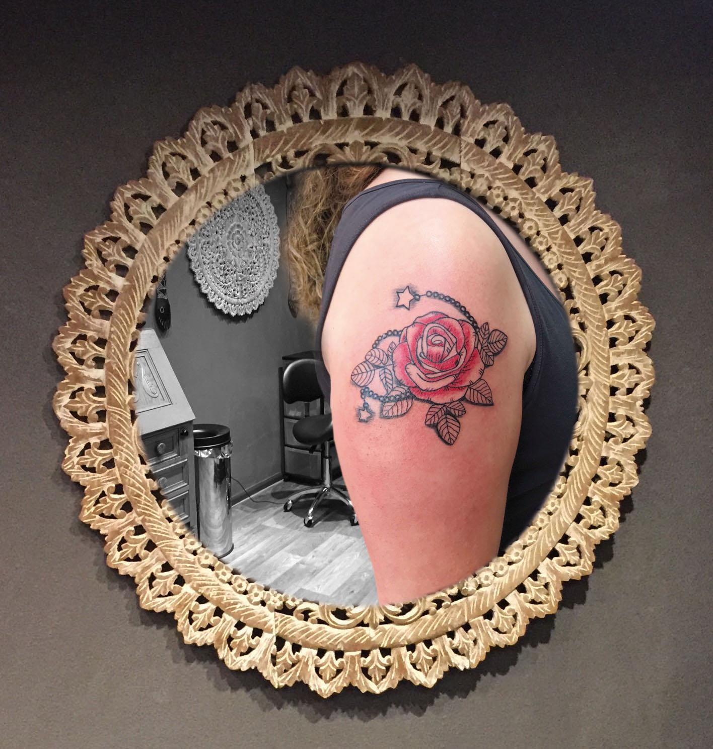 Roos met rozenkrans